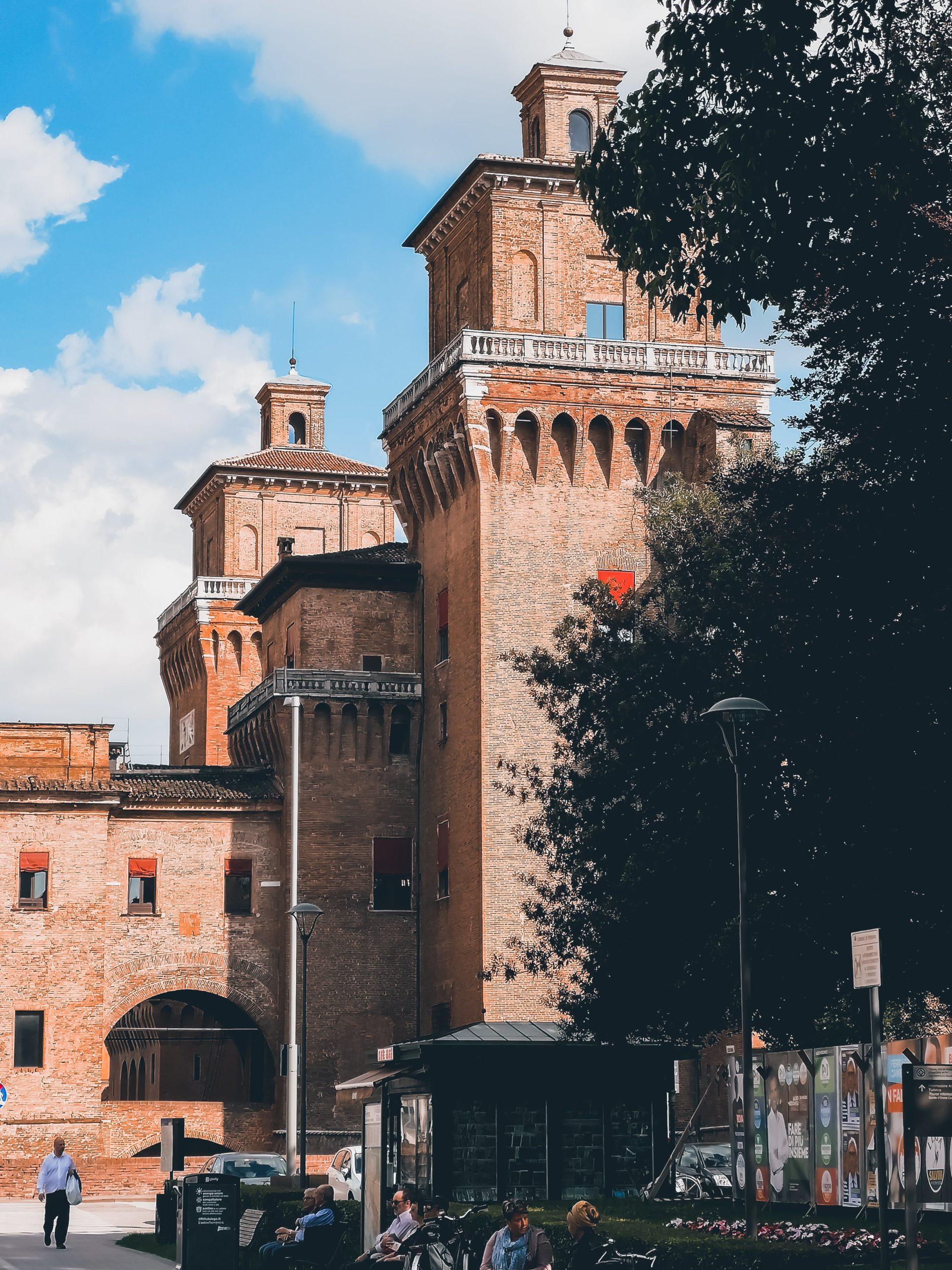 Visitare Ferrara in un giorno: itinerario a piedi
