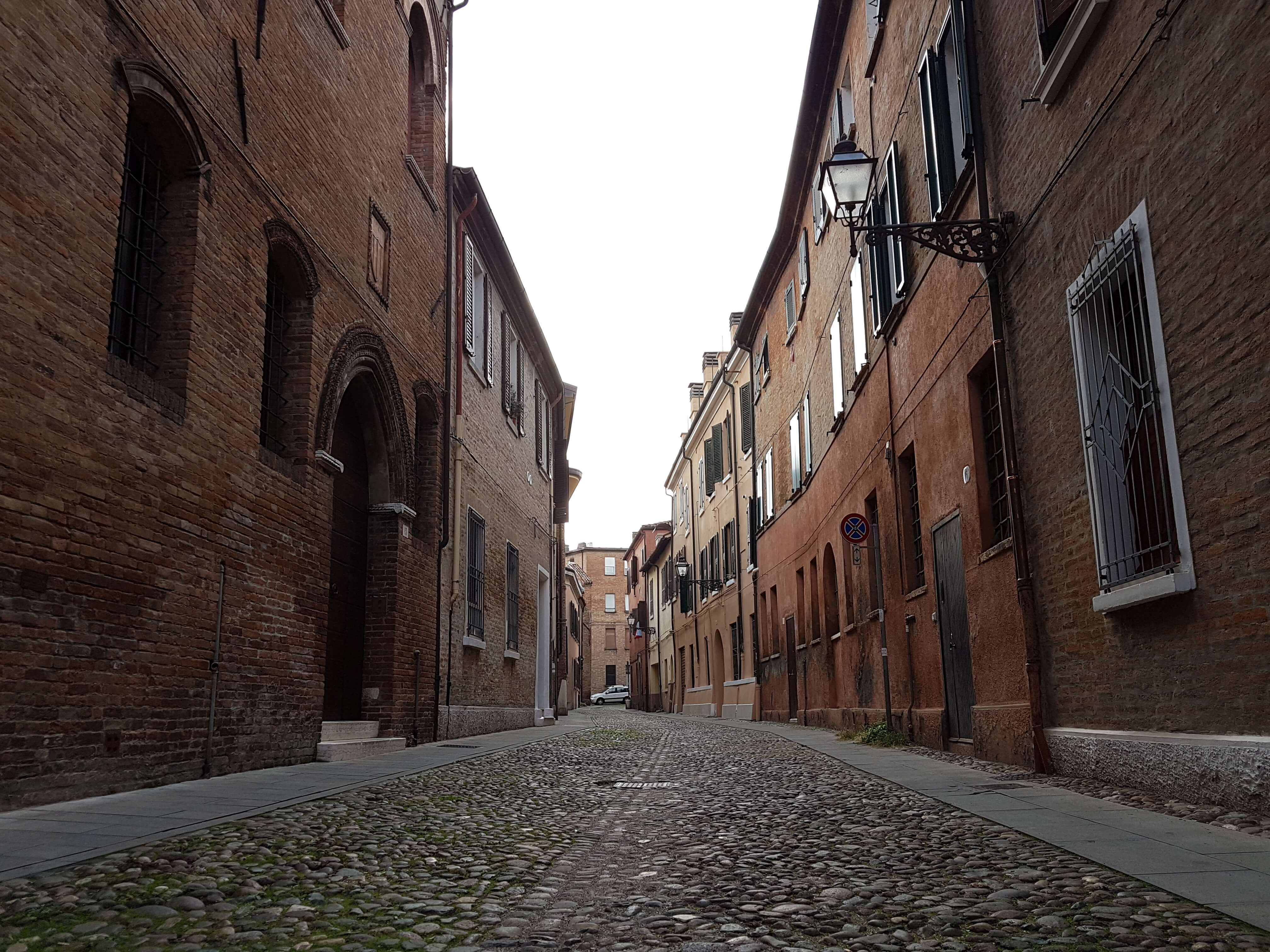 Gli ebrei a Ferrara tra ghetti, cimiteri e Finzi Contini
