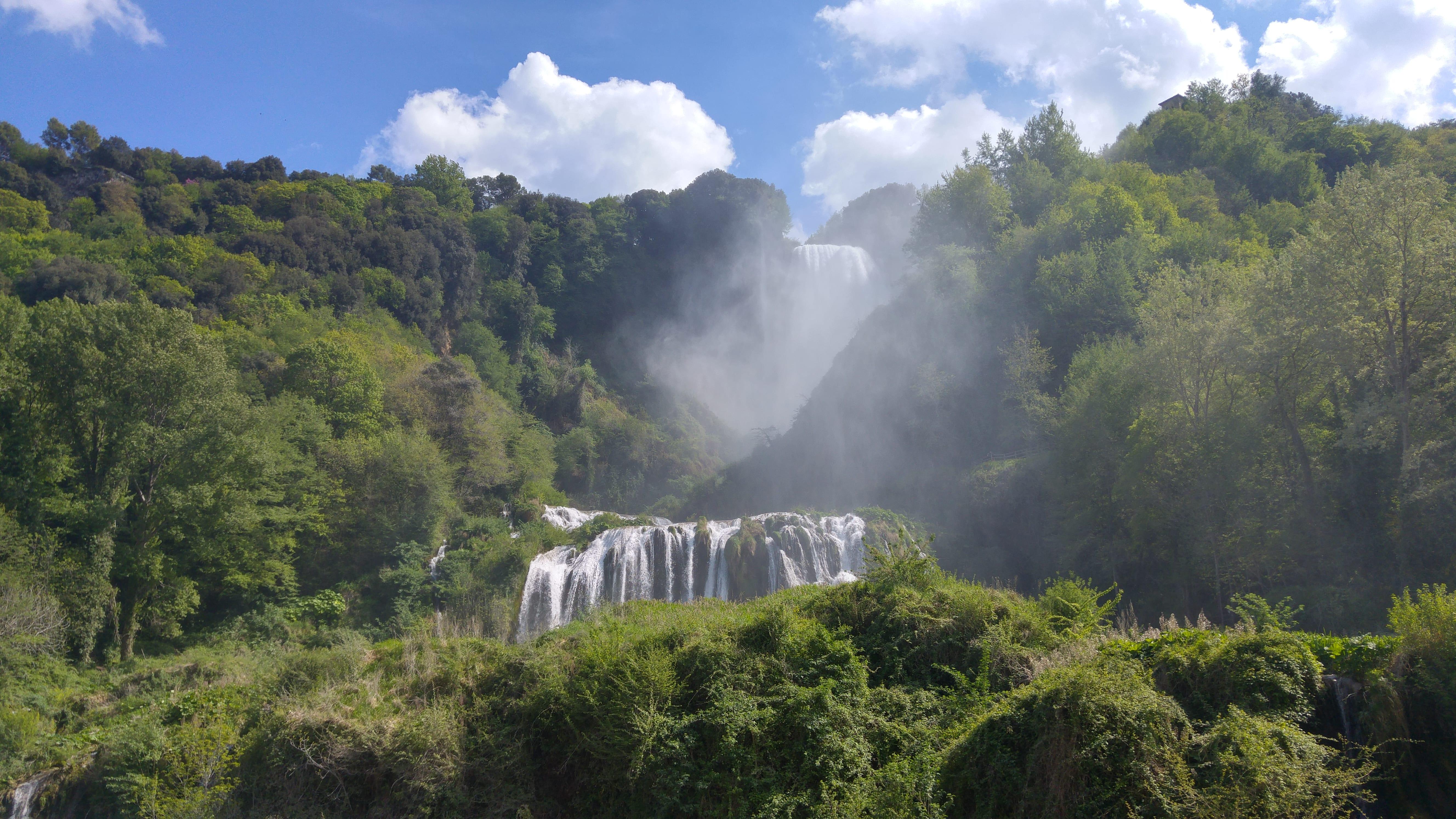 Visitare la cascata delle Marmore: percorso, prezzi e pernottamento