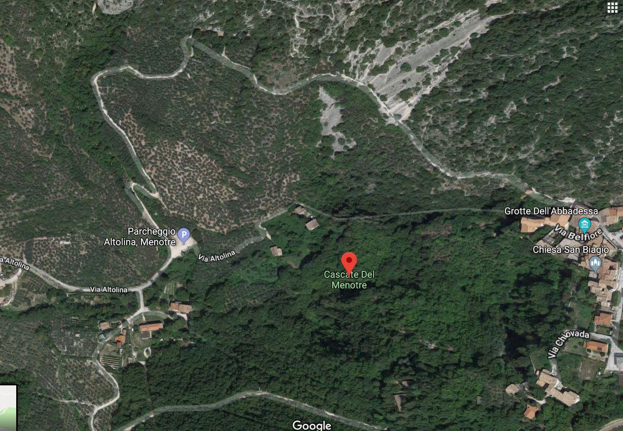 Trekking alle Cascate del Menotre: mezza giornata immersi nel verde