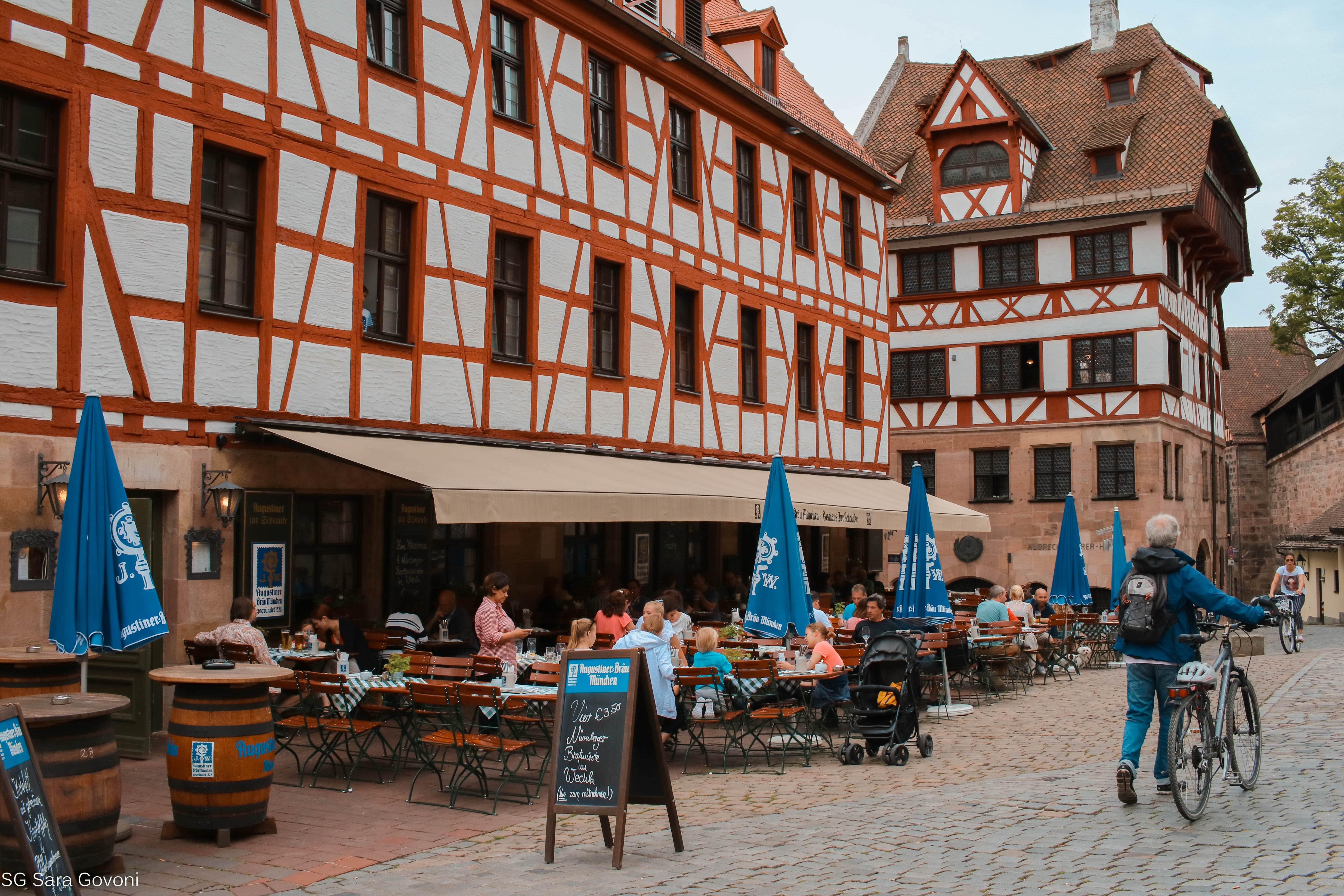 Cosa vedere a Norimberga in un giorno:  L'edificio a destra è la casa di Durer
