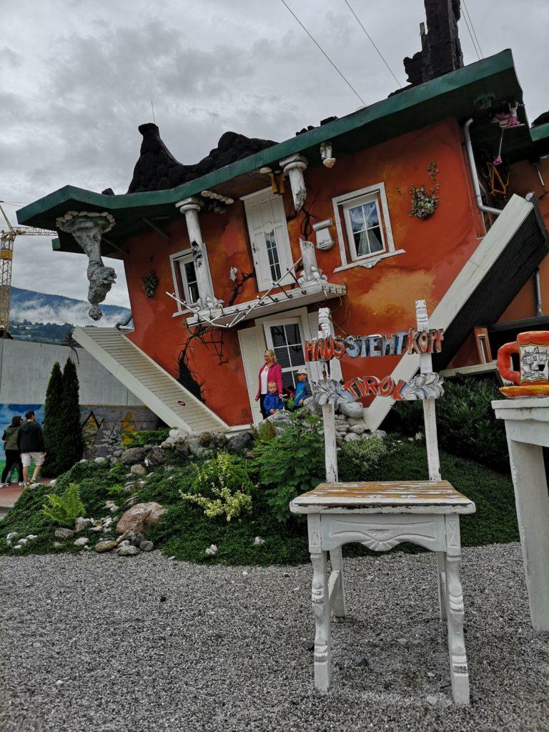 Das Haus steht Kopf: la casa rovesciata di Innsbruck