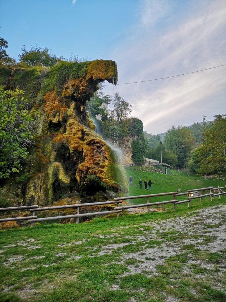 trekking in Emilia Romagna: grotte di Labante