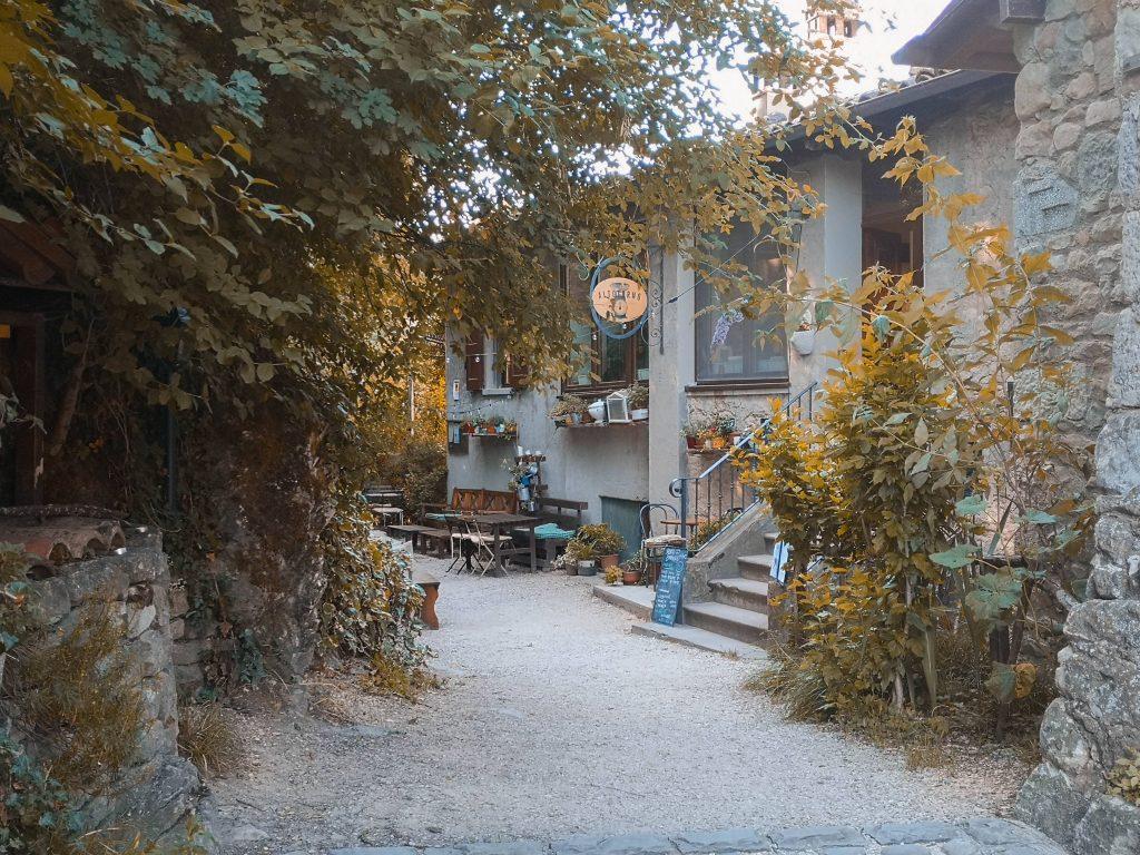 Alla scoperta del Parco Regionale dei Sassi di Roccamalatina: il sentiero trekking a portata di tutti