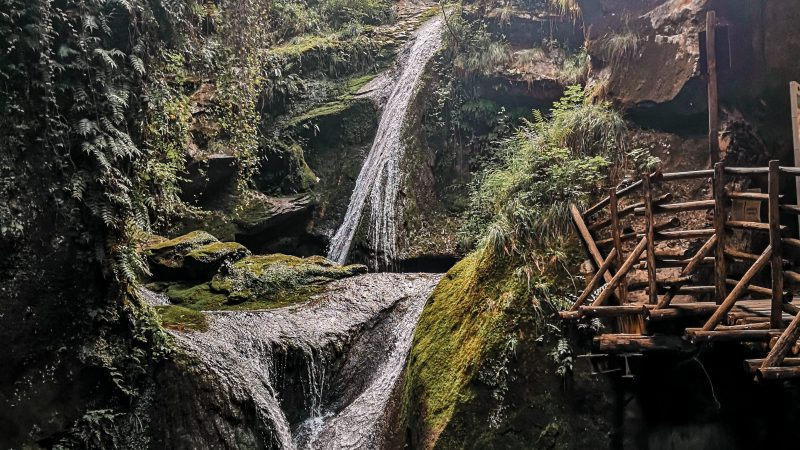 Visitare le Grotte del Caglieron: dove parcheggiare, la visita e… si pagheranno in futuro?