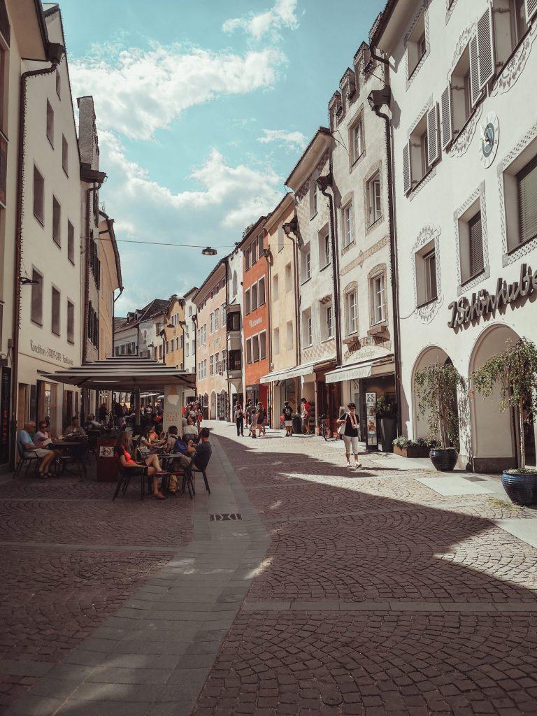 Cosa fare a Brunico: tra castelli, trekking e shopping goloso!