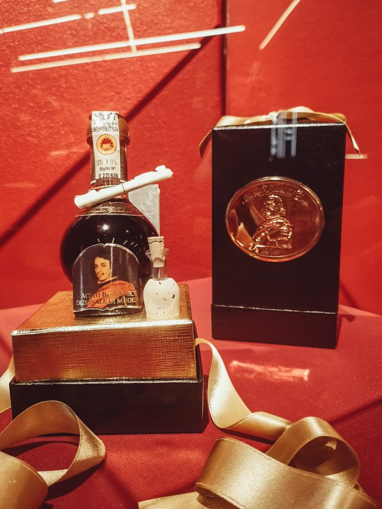 Cinque generazioni di oro nero: alla scoperta dell'Aceto Balsamico del Duca