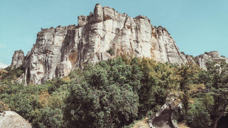 Trekking alla Pietra di Bismantova: salire in purgatorio