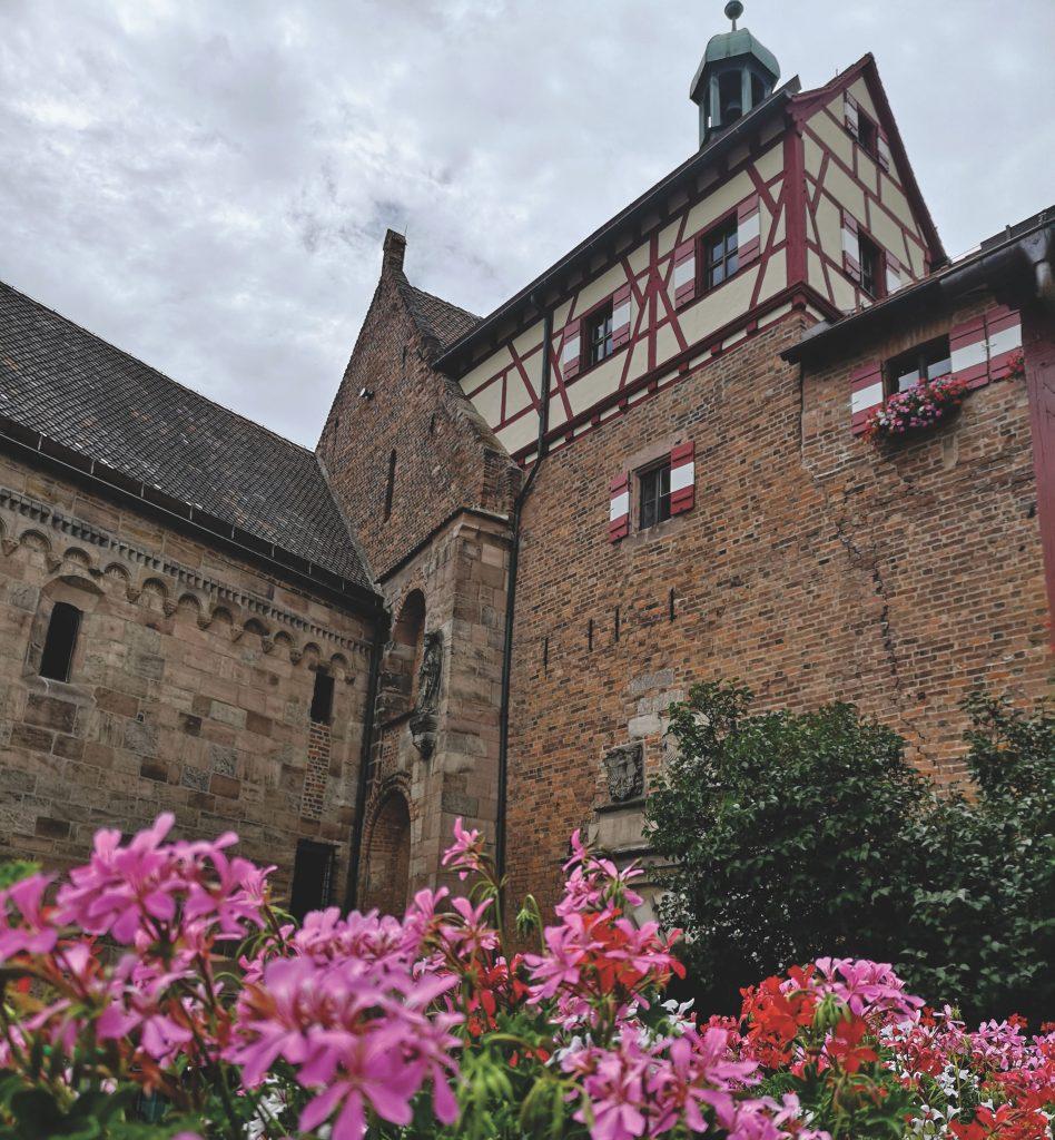 La Norimberga di Attacco dei Giganti: il castello imperiale