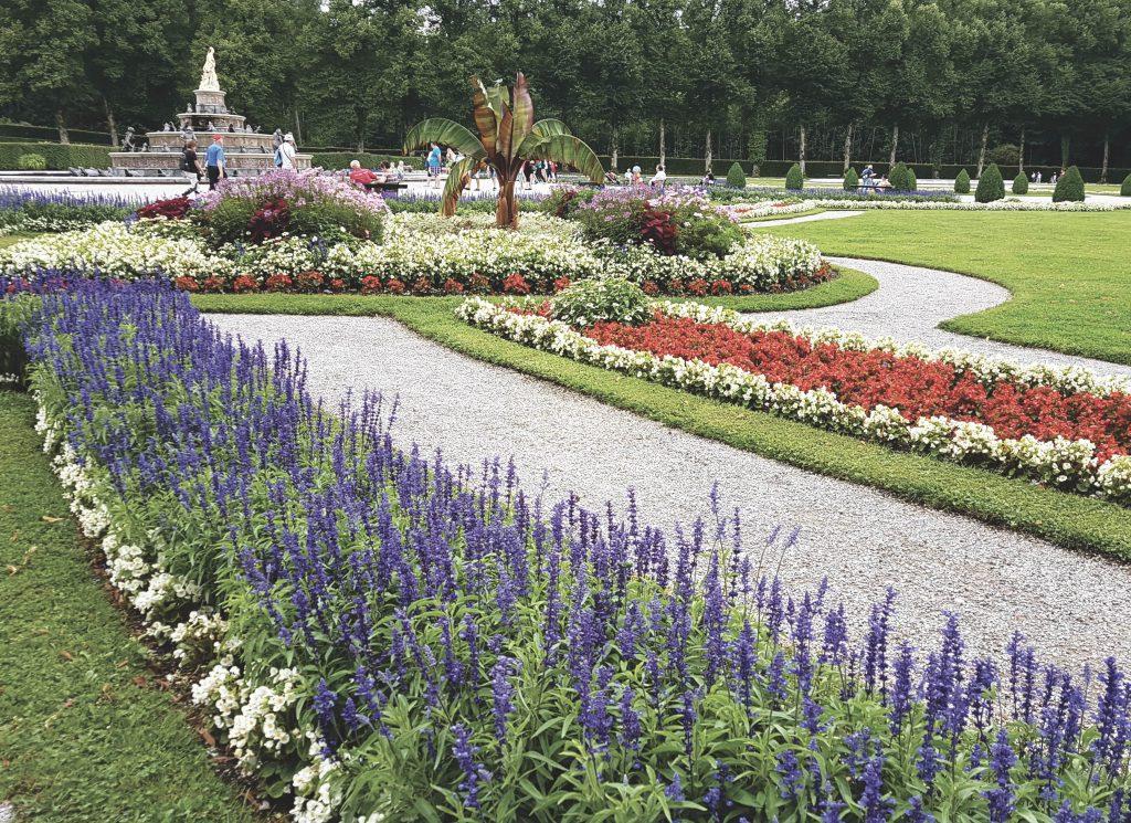 Visitare il Castello di Herrenchiemsee: dettaglio dei giardini di Herrenchiemsee