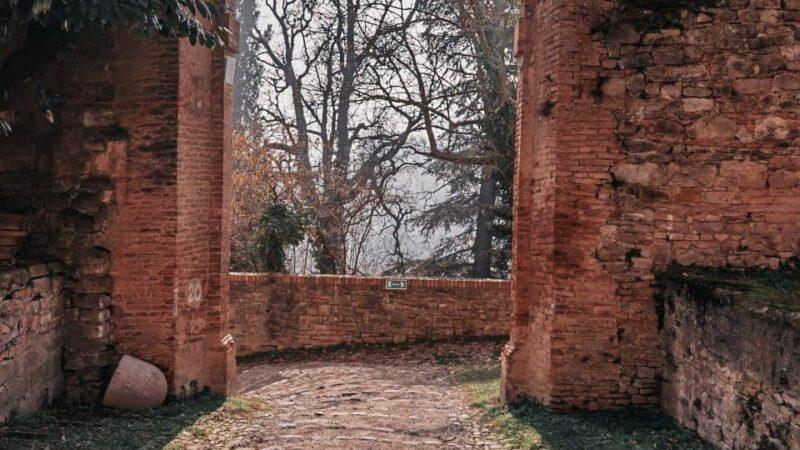 Visitare il Castello di Montegibbio e cosa fare nei dintorni