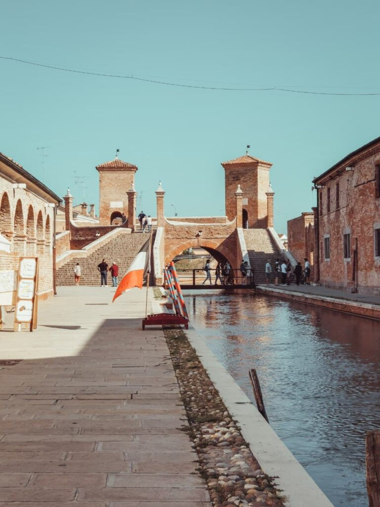 cosa fare a Comacchio: trepponti