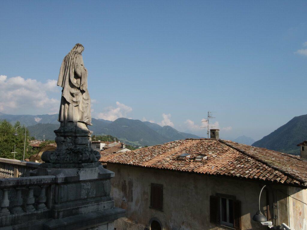 vista dalla scalinata dalla Basilica di Clusone