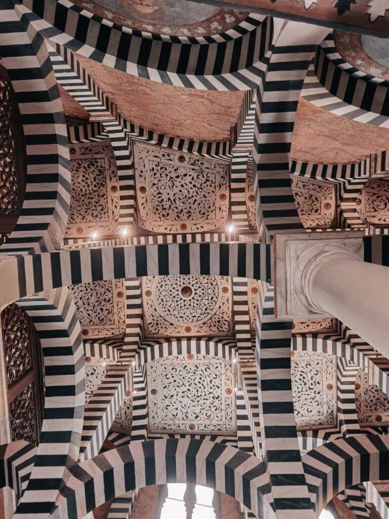 visitare la rocchetta mattei la cappella che sembra un quadro di Escher