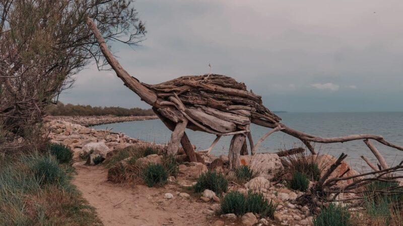 Alla ricerca delle sculture in legno dei lidi ferraresi di Enrico Menegatti