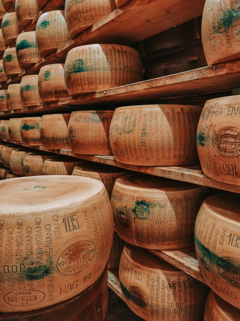 Alla scoperta del Parmigiano Reggiano della Latteria Villa Curta