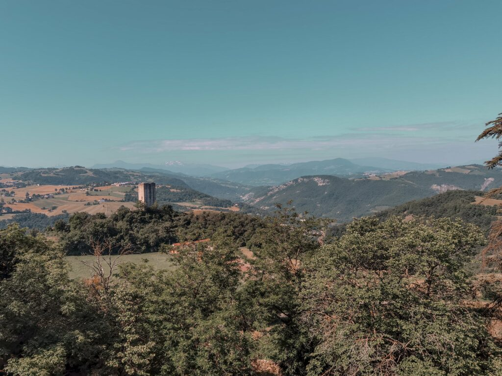 itinerario per i castelli matildici: la vista dal castello di rossena