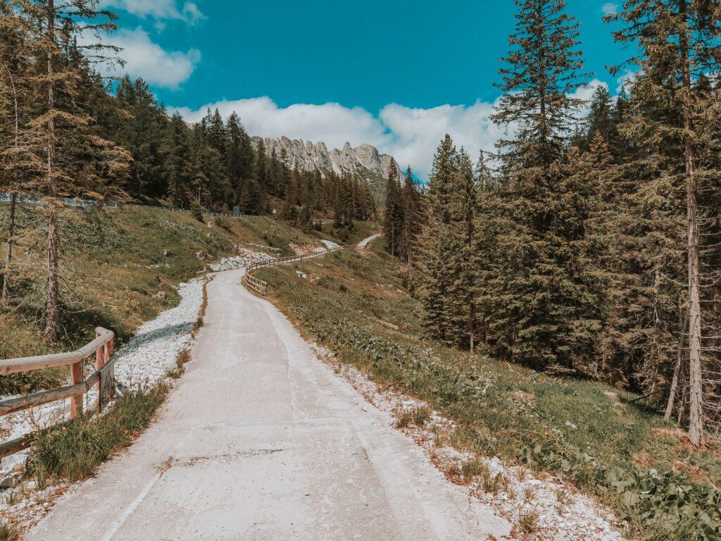 sentiero ciclo pedonale da Auronzo a Misurina