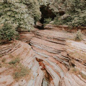 Gita a Brent de l'art: come arrivare al canyon ed il percorso