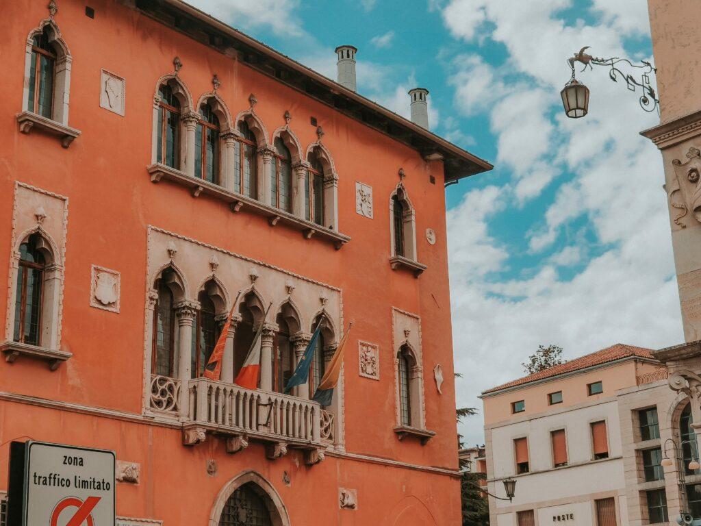 palazzo del municipio belluno