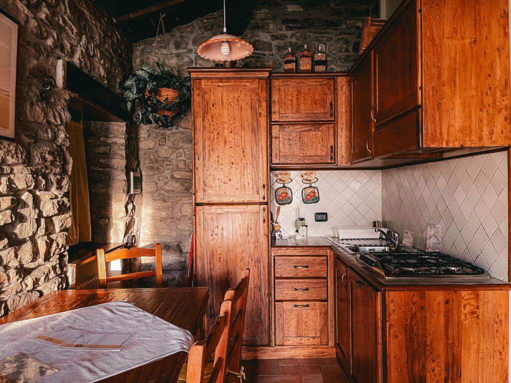 cucina negli appartamenti dell'agriturismo