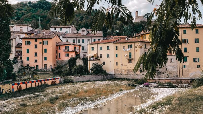 I borghi della valle del Montone